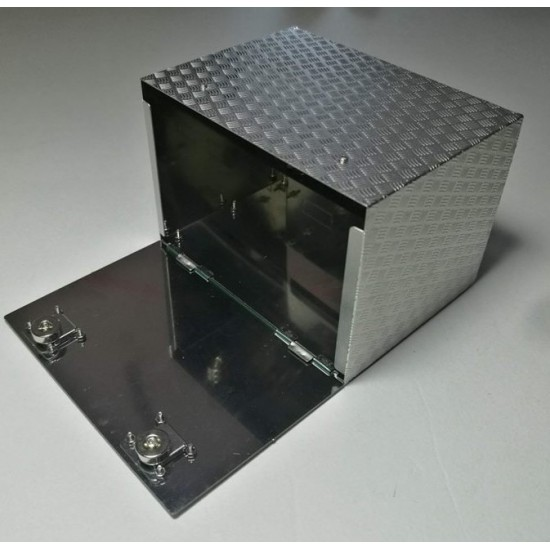 1:14 scale Universal metal chequer plate tool box